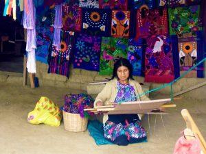 cissc_en_imagenesMujer TejiendoChiapas México
